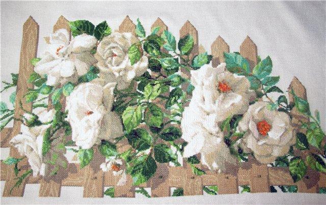Белый букет роз вышивка